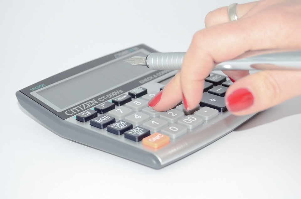 7 Realistic Ways to Manage Your Monthly Expenses