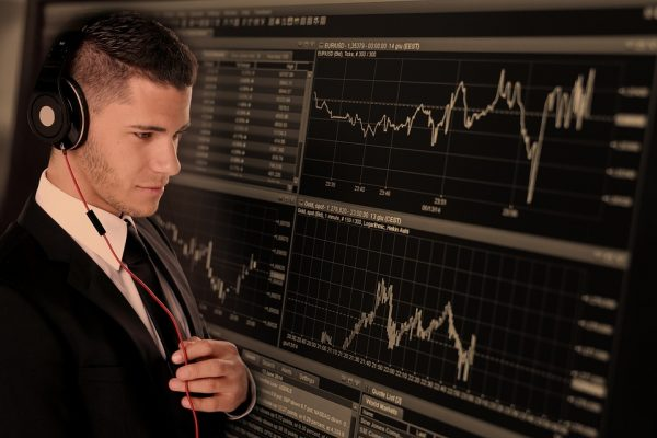 Is it Better to Trade Forex or Stocks?
